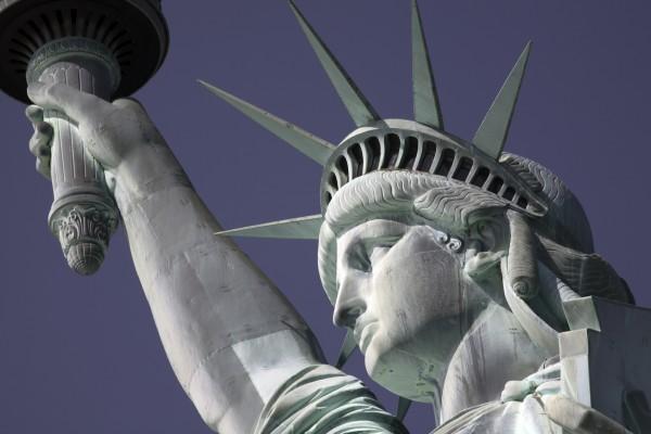 0403_Statue of liberty close up_WEB